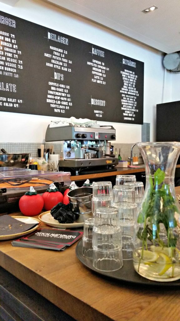 The Burger Lab (Hamburg) || Wanderwings