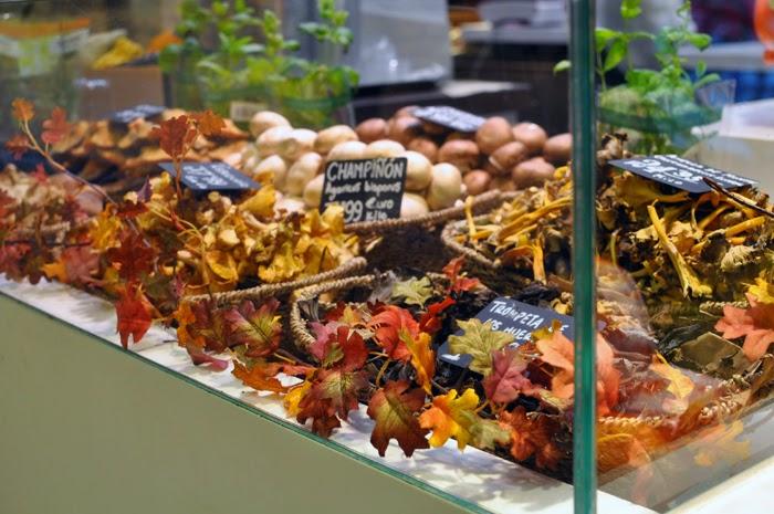 Best Food Markets in Madrid: Mercado de San Antón | Wanderwings.com