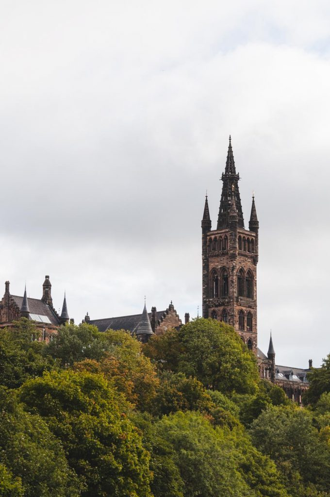 Que hacer en dos dias en Glasgow |University of Glasgow's Gilbert Scott Building via wanderwings.com